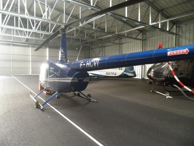 Industrielle Helikopterhangars